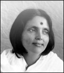 Anandamayi Ma Middle