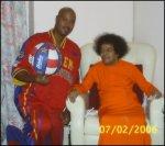 Harlem Globetrotters Visit Sathya Sai Baba At Puttaparthi