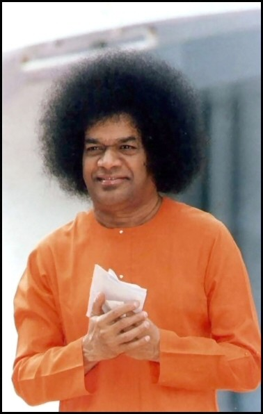 http://sathyasaibaba.files.wordpress.com/2008/08/sathya-sai-prayer.jpg