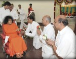 Ever Youthful Sathya Sai Baba In Kodai April 2009 At Age 83